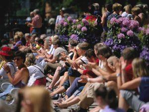Järvaveckan människor i publik